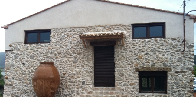 Restauración fachada bodega
